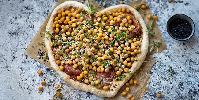 Rezept Zum Valentinstag Herz Pizza Mit Kichererbsen Little Lunch